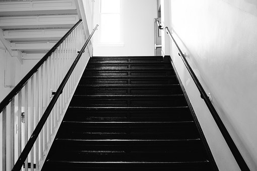 Crucial Information Homeowners Should Know About Stairway Designs